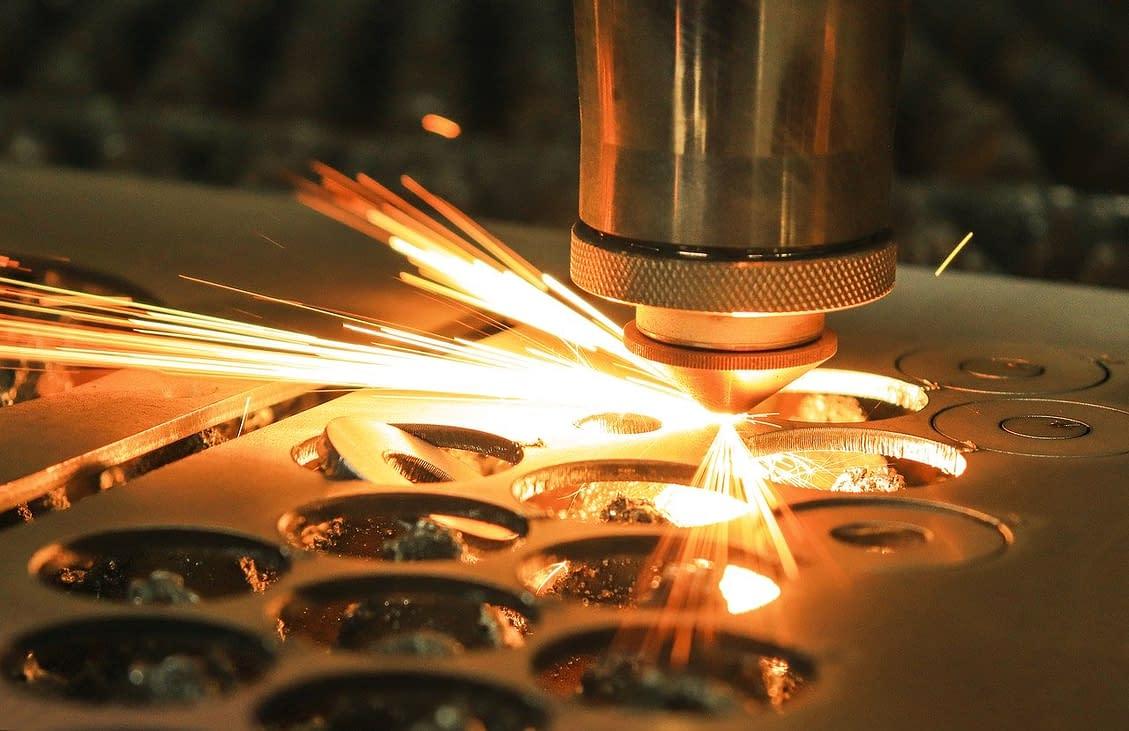 laser-cut-metal-4373878_1280